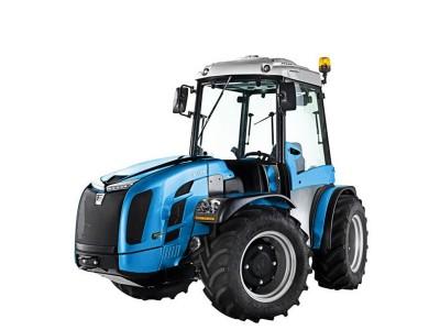 Traktor og utstyr